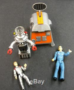 Classic Lost In Space Jupiter II 2 Ship Trendmasters 1998 Complete Case Of 6