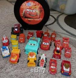 Disney Cars Tire Case With Lightning McQueen and 21 extra cars