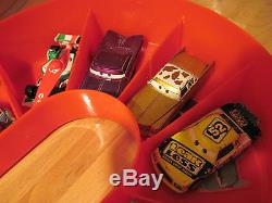 Disney Pixar Cars Carry Case and 16 Diecast 155 Scale Disney Cars