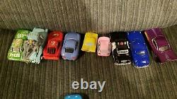 Disney Pixar Cars Oval Speedway Race Track 16 Car Carrying Case with 16 Toy Cars