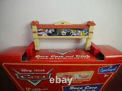 Disney Pixar Cars Race Case And Track For 16 Car (F27)