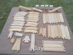 Mixed lot 169 Pieces Thomas the Train Wood Tracks/Carrying Case/Knapford Station